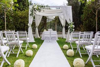Die Kutsche Warten Speisen Und Getranke Hochzeitsfeier Planen